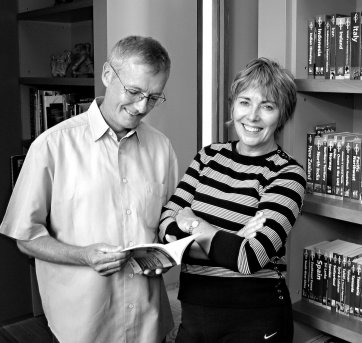 Tony and Maureen Wheeler, 2005 by Francis Reiss and June Orford