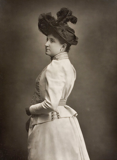 dame nellie melba biography Opera singer she was born helen porter mitchell in richmond, melbourne,  australia after studying music as a child in australia, she accompanied her father  to.