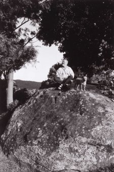 Jeff Carter with his dog Annie Rose at Foxground NSW, 2000 (printed 2017) Robert McFarlane