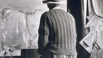 Lloyd Rees from behind, 1979 Max Dupain