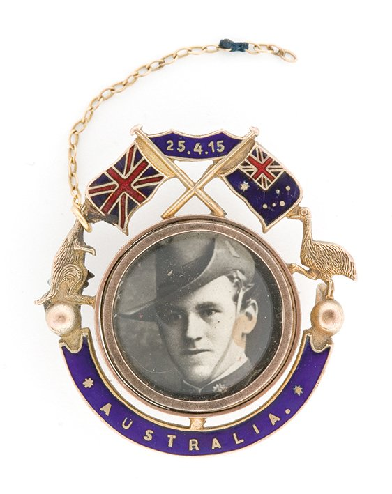 Lance Corporal Cecil Harland – portrait mounted in a memorial brooch c. 1915-16 by unknown photographer