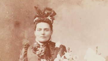 Bessie Lee, c. 1890 Yeoman &  Co, Melbourne