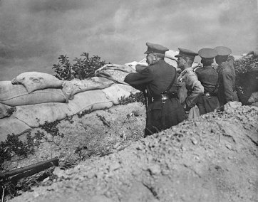 Lord Kitchener in the trenches at Anzac. General Birdwood on Kitchener's right. Nov 1915