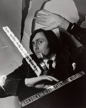Barry Humphries, 1962 Lewis Morley