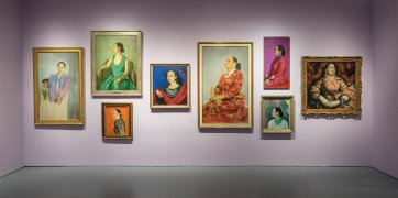 Installation wall, Rubinstein portraits: Helena Rubinstein: Beauty Is Power at the Jewish Museum, New York, 2014 Image: David Heald
