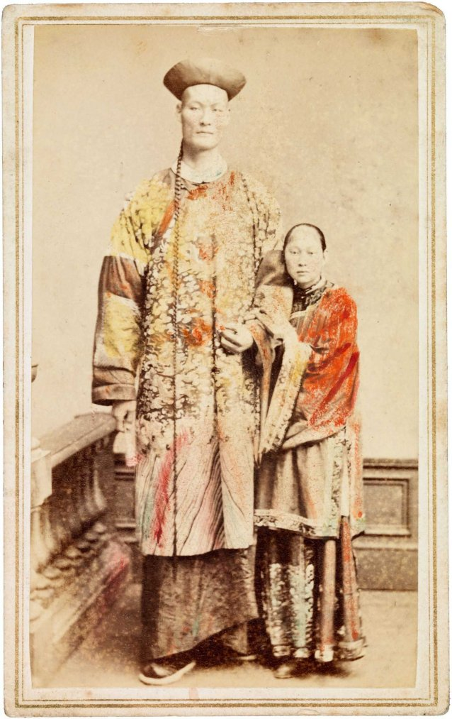 Chang the Chinese giant with his wife Kin Foo