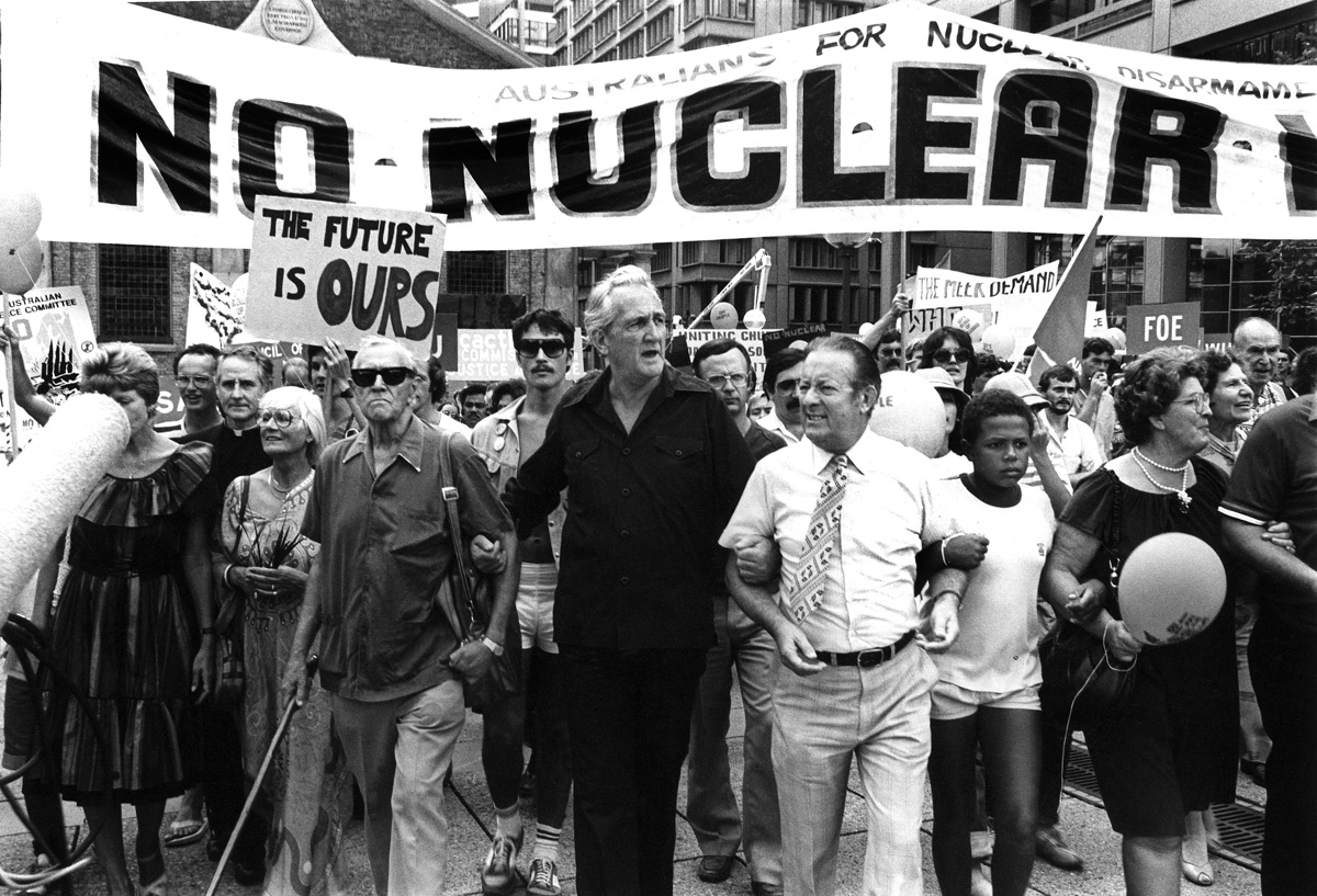 Sydney city (Patrick White and Tom Uren, Hiroshima Day demonstration), 1984