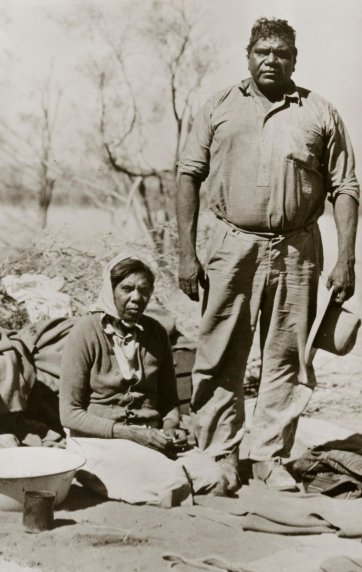 Albert and his wife Rubina, Macdonnell Ranges, 1946 by Axel Poignant