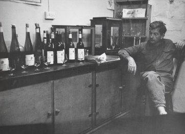 Cyril Henschke in his tasting room at Keyneton, 1968 by Douglass Baglin