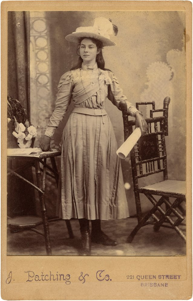 Young Lady 1897 1901 By James Patching Co Cabinet Photograph