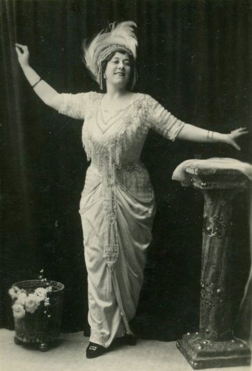 "Florrie Forde the Original Singer of ""Tipperary"", c.1910 by Unknown"