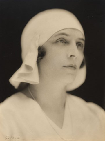 Lady Hannah Lloyd Jones, c.1930 by E.O. Hoppé