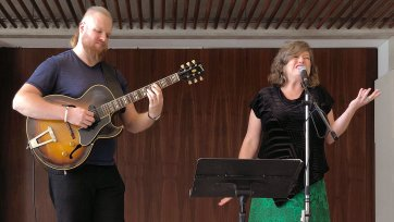 Victor Rufus (guitar) and Elise Walsh (vocal & flute)