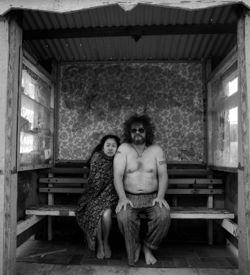 Ahn & Pete, The Bus Stop Project, 2012 by Simone Darcy