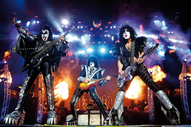 Kiss – Melbourne 2013 by Martin Philbey