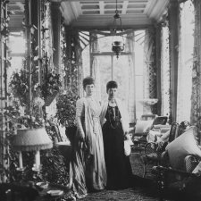 Queen Alexandra and Dowager Empress Marie Feodorovna of Russia, Hvidore, circa 1908 by Mary Steen