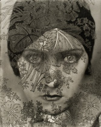 A Much Screened Lady - Gloria Swanson, by Edward Steichen, 1924 publ. February 1928.