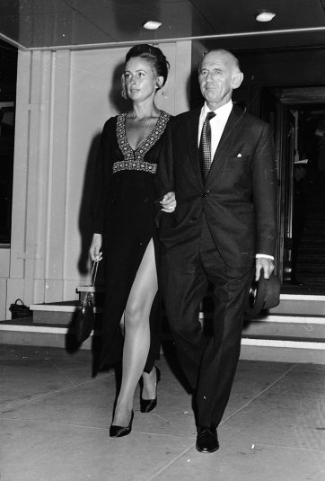 Prime Minister William McMahon with wife Sonia McMahon leaving Parliament House, Canberra, 9 March 1971 Picture by Ted Golding
