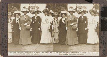 Great Suffragette demonstration in London, 1911 Rose Stereograph Company