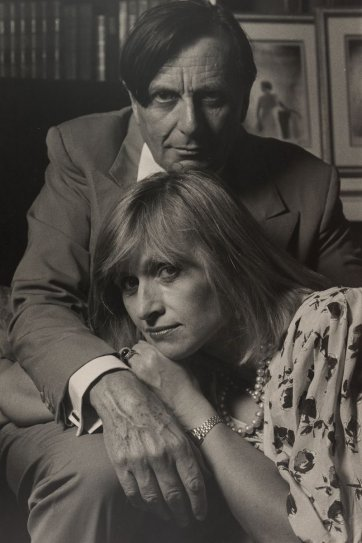 Barry Humphries and Lizzie Spender, 1994 Lewis Morley