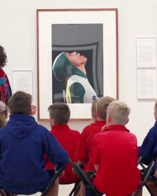 Visiting the National Portrait Gallery video: 1 minute