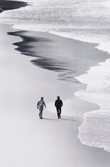 Russell Drysdale and Peter Sculthorpe, Tallow Beach, New South Wales, 1969 (printed 2000) by David Moore
