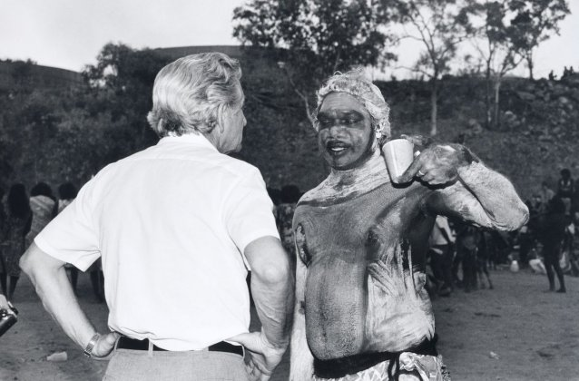 Discussion between Bob Hawke and Galarrwuy Yunupingu, Burunga Festival, Northern Territory, 1988 (printed 2015) Sue Ford