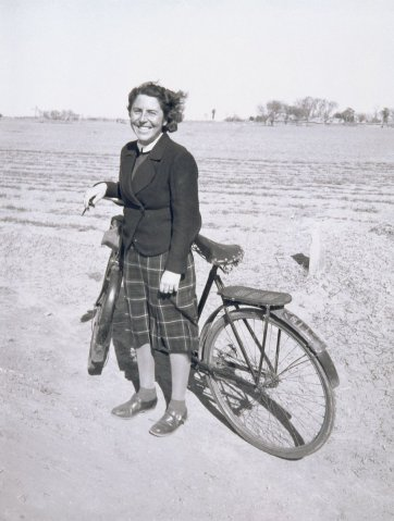 Hedda Morrison, 1941 (printed 2004) by Alastair Morrison