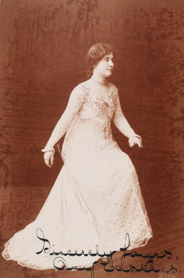 Amy Castles, c.1902 by The Swiss Studio